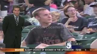News Anchors laugh at Fresno Grizzlies kiss-cam girl