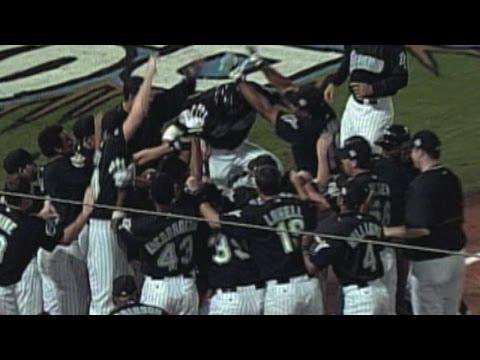 2003 WS Gm4: Gonzalez wins it with a walk-off homer