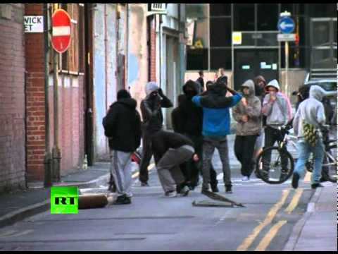 Manchester Riots: Video of shops looted as violence spreads beyond London