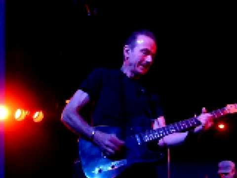 Hugh Cornwell, Down in The Sewer, with wannabe Heckler, Part 1 Video