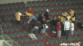 ASK un Barona fanu kautiņš!/ASK and Barons fans brawl