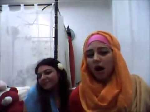 ARABIC GIRL IS  SINGING HINDI SONG