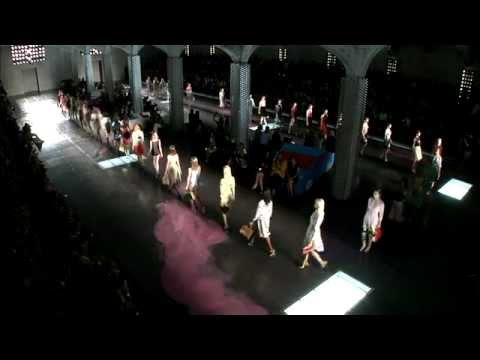 PRADA SPRING/SUMMER 2012 WOMENSWEAR SHOW