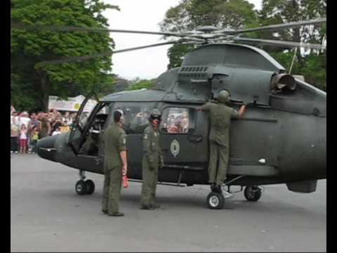 Decolagem do helicóptero Pantera do BAvEx