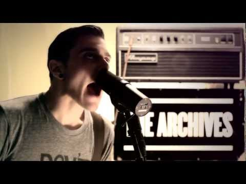"The Archives ""Mountains"" Live Off The Floor"
