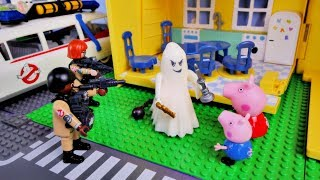 Peppa Pig - Ghost in house - New english episode Playmobil funny stories for kids