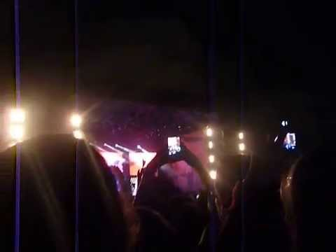 One Direction in Uruguay - Intro + Midnight Memories to not full Live While We're Young 5/6/14