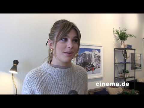 Never Goin' Back // Camila Morrone // Interview // CINEMA-Redaktion