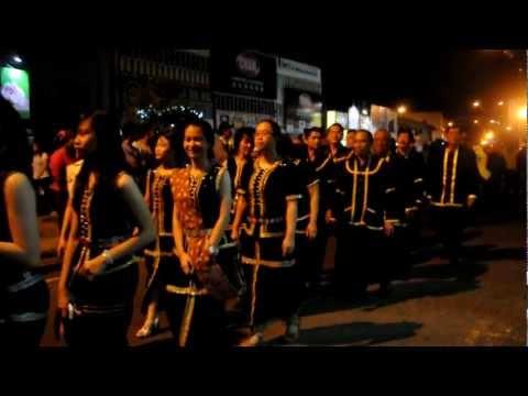 Kadazandusun Gong & Costumes By: Thadeus Sibir video