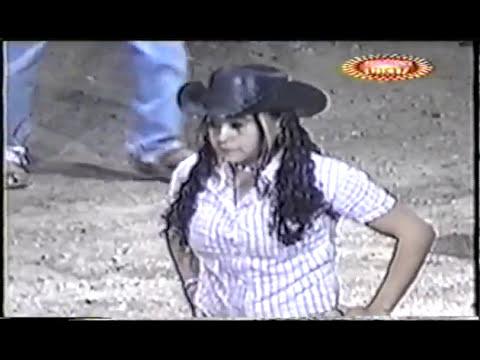 Mujer montando toro¡¡¡