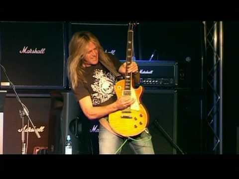 Doug Aldrich Amazing Guitar Solo!