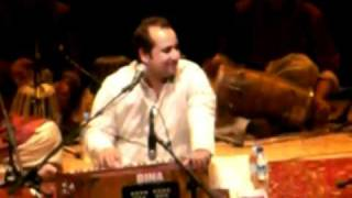 Rahat Fateh Ali Khan - Aaj Din Chadheya (Live Concert In Singapore)