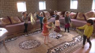 Groepsmuziekles met 2-3 jarigen bij INTERACTIVE PIANO