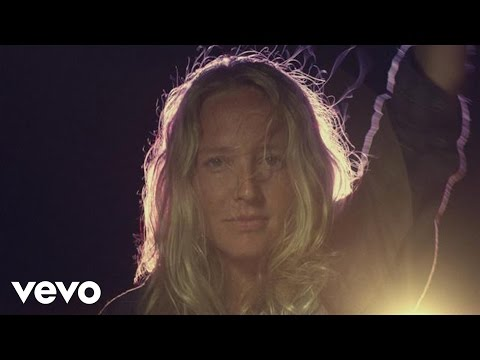 Lissie - Further Away Romance Police
