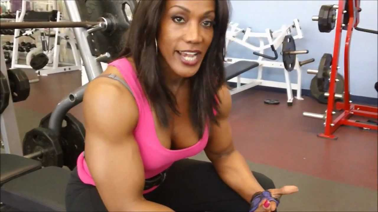 Bench Press with Lenda Murray - YouTube