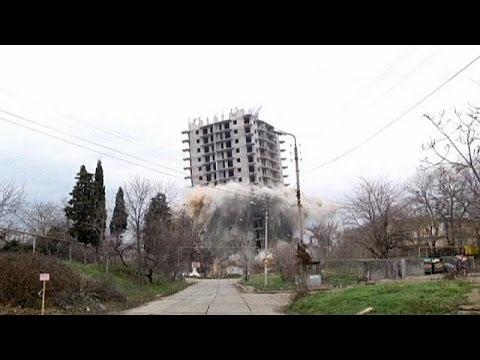 Crimea: Demolition of building fails - no comment
