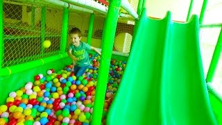 New GREAT Indoor Playground fun for kids with Ball PIT BALLS Funny Slides and more