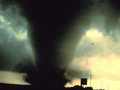 Tornadoes Kill at Least 4 -- New Year's Eve Twisters Hit Missouri & Arkansas & Oklahoma - Report