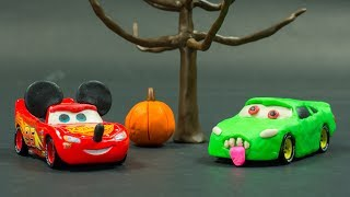 ZOMBIES LAND Graveyard Cars CRASH N SMASH Lightning McQueen as Mickey Mouse THUNDER HOLLOW Crazy 8