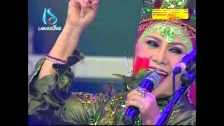 Download video Ratu Dan Raja Dangdut Bertemu Kangen – Mawar Merah – Hj. Elvy Sukaesih di Soneta Group