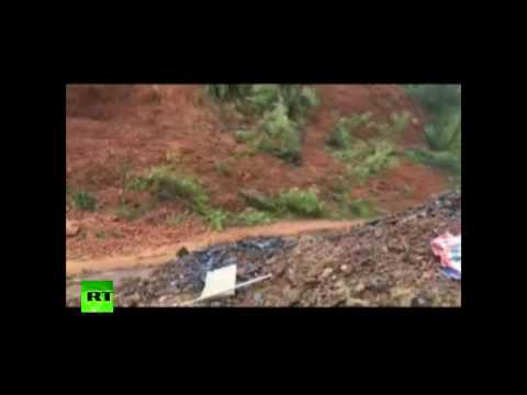 Terrifying landslide moment recorded by mobile in China