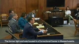 Ex-NFL player Hernandez kills himself in prison