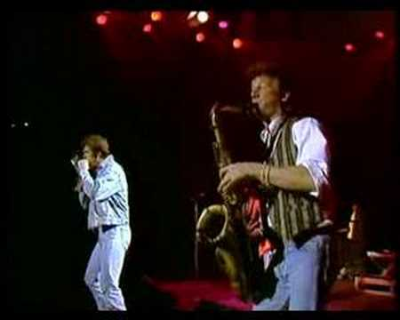Huey Lewis & the News (live) - I want a new drug Video