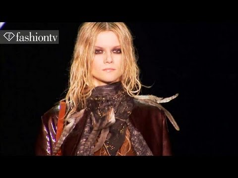 Models - Kasia Struss - Fall 2011 | FashionTV - FTV