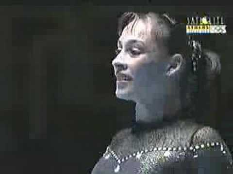 Catalina Ponor -- Floor (Gala Athens 2004)
