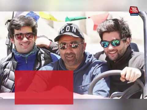 सनी पाजी पहली बार दोनों बेटों के साथ दिखे