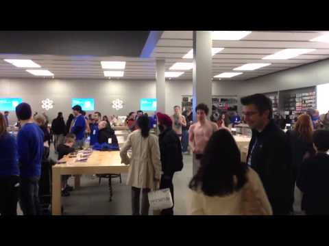 Naked Kids From Bellevue High School Storming Apple Store