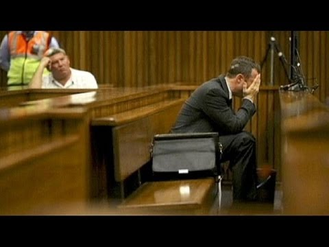 Pistorius weeps and retches on hearing graphic evidence