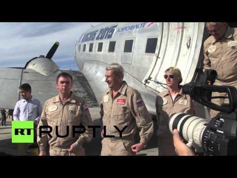 В якутском аэропорту приземлились два самолета времен Второй мировой войны