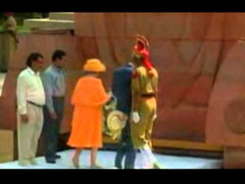 Queen visits India