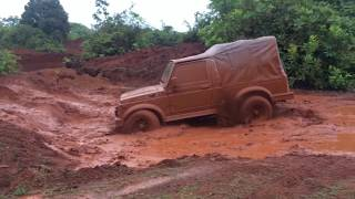 Off Roading Maruti Suzuki Gypsy King 4x4 MG413W