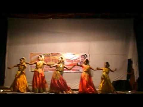 Top Tamil Cine Semi Classical Dance- Aroor Nruthajyothi video