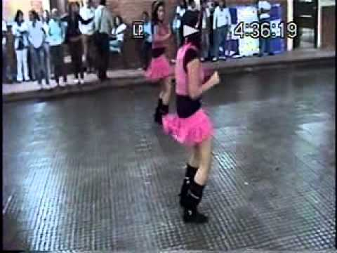 BANDA AGUILAR PAZ ACTUANDO EN SU COLEGIO-RAFAEL RUBIO- 2010-HONDURAS