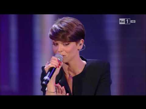 Wind Music Award 2016 - Alessandra Amoroso (Comunque Andare - Vivere A Colori)
