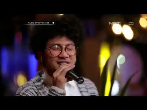 Kunto Aji - Mata Indah Bola Ping-pong - Tribute to Iwan Fals (Live at Music Everywhere) **