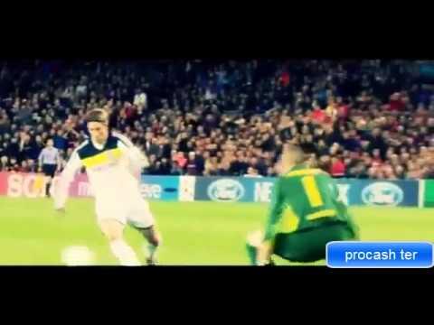 Teerasil Dangda VS Fernando Torres