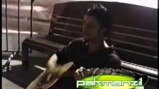 "download lagu Atif Aslam Singing For The First Time ""aadat"" gratis"