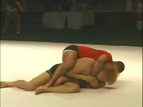 Matt Serra vs Gomi Grappling Image 1