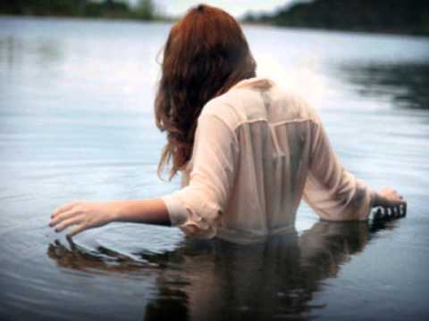 Florence And The Machine - What The Water Gave Me (Unplugged Version)
