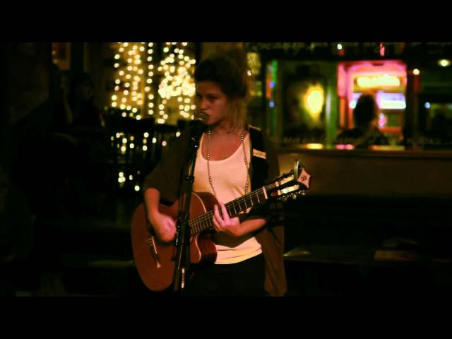 Selah Sue in Bordeaux - French Acoustic Tour