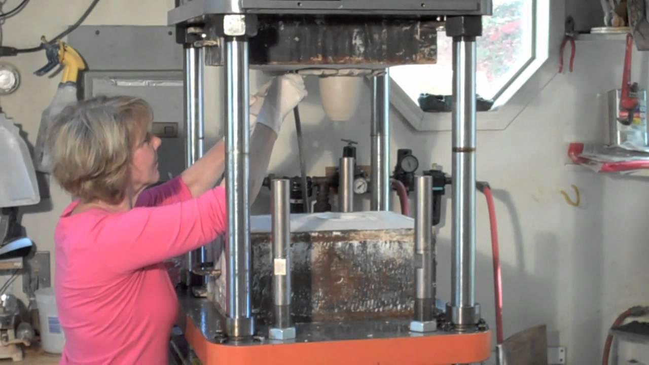 Making A Mug Using A Ram Press Mov Youtube