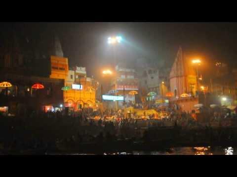 Varanasi India : Peaceful Ganges RIver Boat Ride at Night to Aarti Hindu Ritual