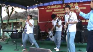 Download Lagu ellex yow band.MPG Gratis STAFABAND
