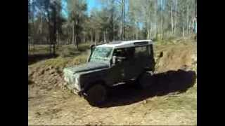 Land Rover Defender 90 off road extreme