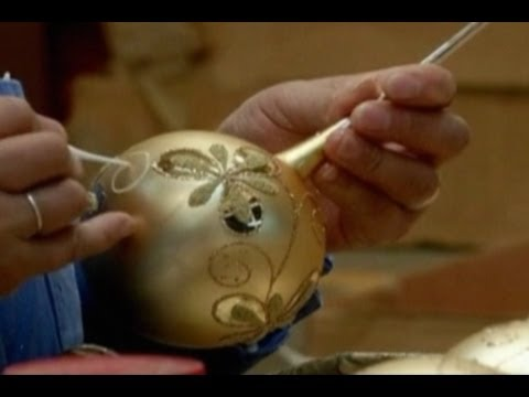 Handmade Christmas Ornaments Losing To Cheap Chinese Exports