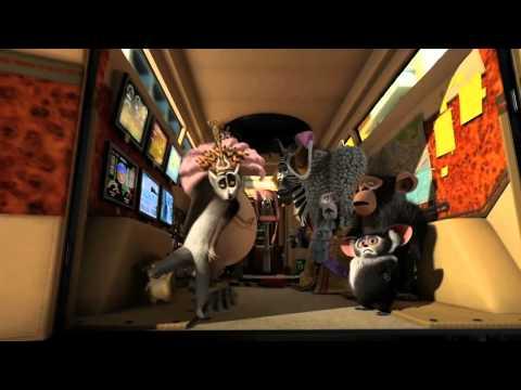 Madagascar 3: Los Fugitivos - Trailer Español Latino - FULL HD